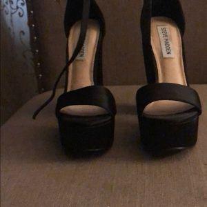 Steve Madden Shoes - Black Steve Madden block heel